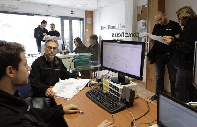 interior de la oficina de Domoticus