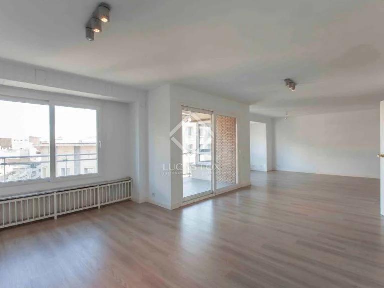 vivienda amplia con luz- viviendas en venta en Valencia